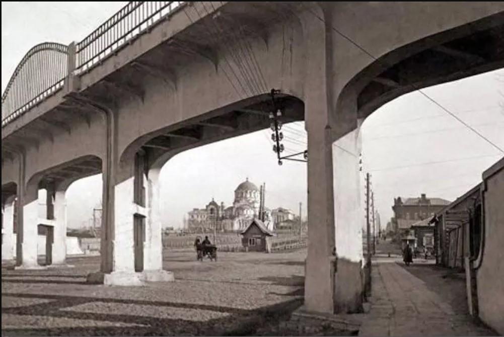 Начало Николаевского проспекта