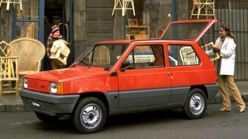 Fiat Panda 30 '1980–84 При этом, стоит отметить, что габариты нового итальянского хэтчбе
