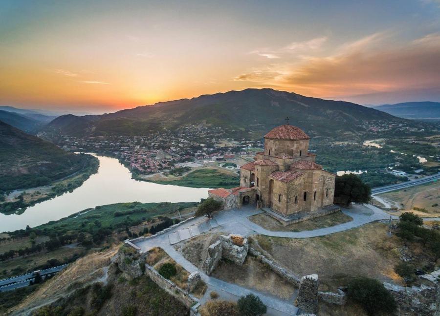 4. Монастырь Джвари, построенный в 6 веке. Именно его упоминал М.Ю. Лермонтов в поэме «Мцыри».