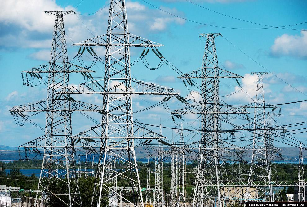 34. Выдача мощности Балаковской АЭС осуществляется в объединённую энергосистему Средней Волги.<