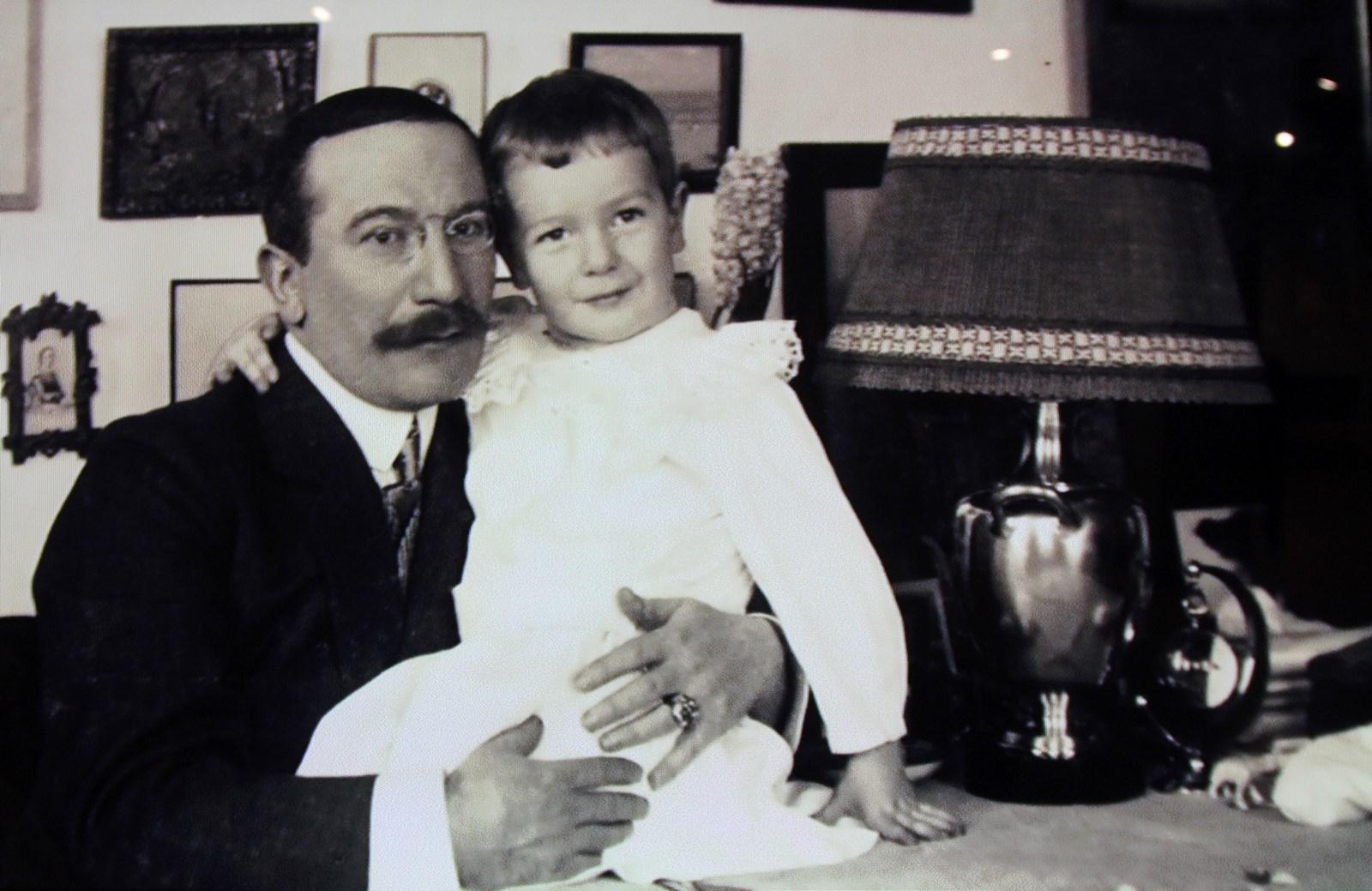 Бакст с сыном Андреем, в браке он был глубоко несчастен