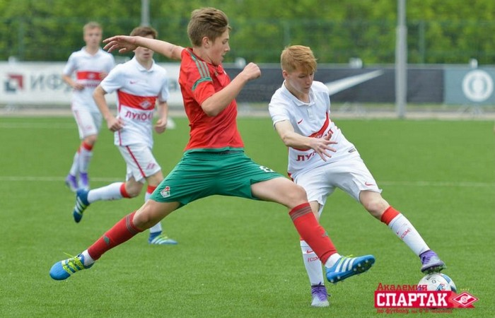 Первенство России по футболу среди команд спортивных школ (игроки 2002 года рождения)