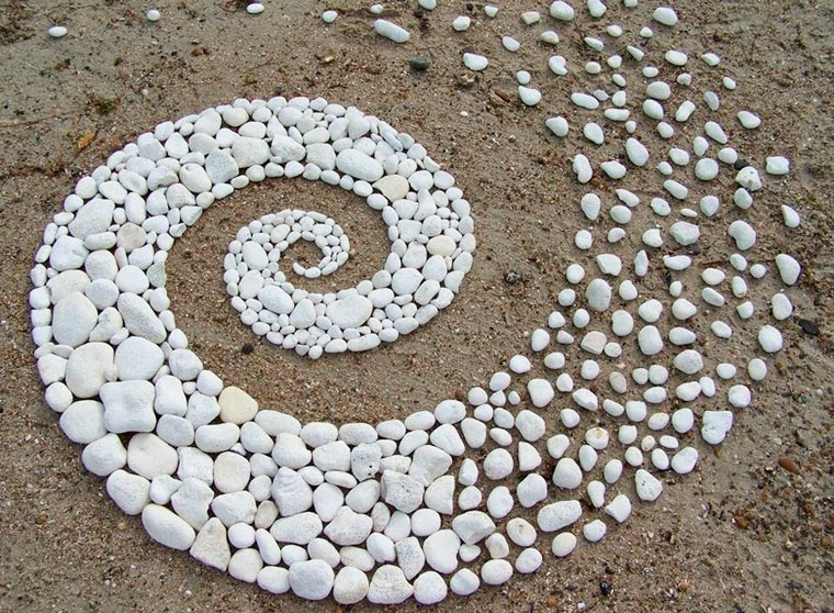 Ephemeral Nature - The fascinating Land Art creations of Andy Goldsworthy