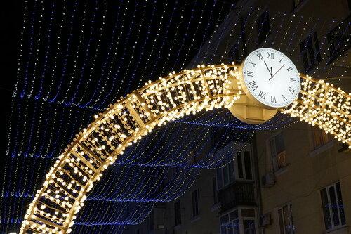 Новогодние украшения в пер.Семашко