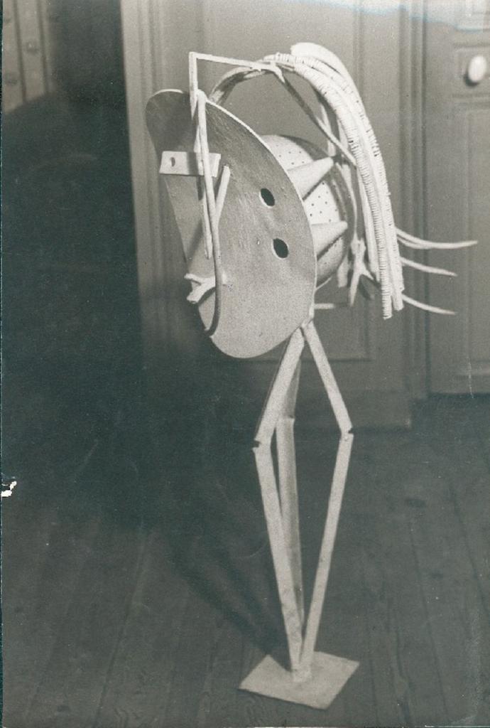 1930. Скульптура «Огонь» (Пикассо)