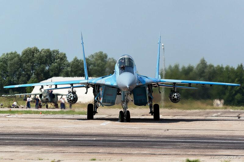 Микоян-Гуревич МиГ-29 (19 красный) ВВС Казахстана 1610_D805687