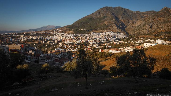 2. Сам город — вполне обычный. Интерес представляет исключительно его историческая часть — медина. В