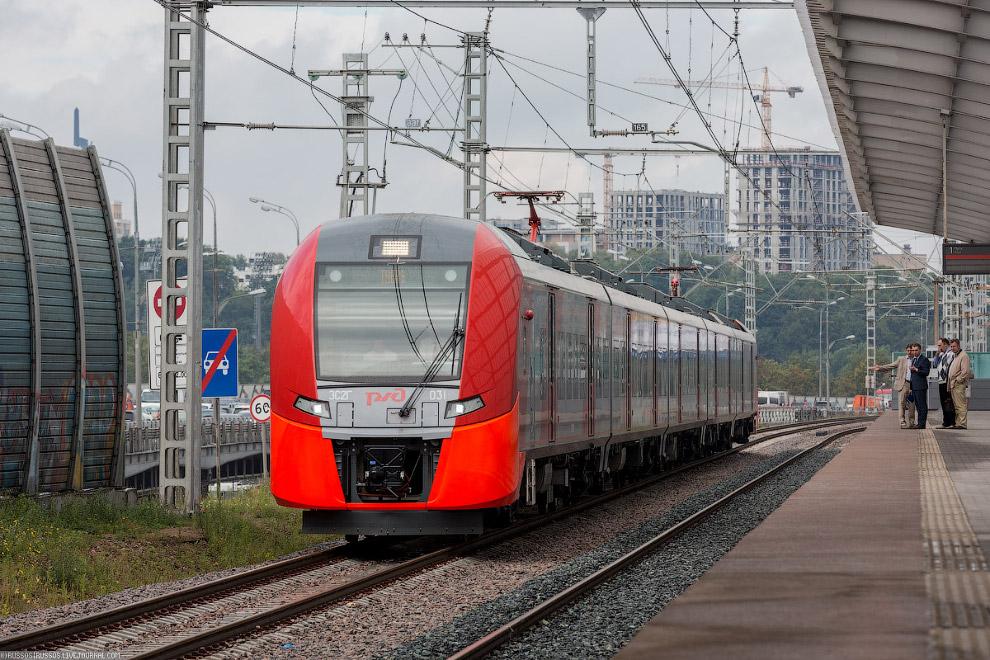 3. Внутри поездов для пассажиров будут работать бесплатный WiFi и зарядные станции с разъемами