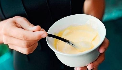 Действие этого холодного соуса на нежелательный пигмент основывается все на тех же жирах и жирн