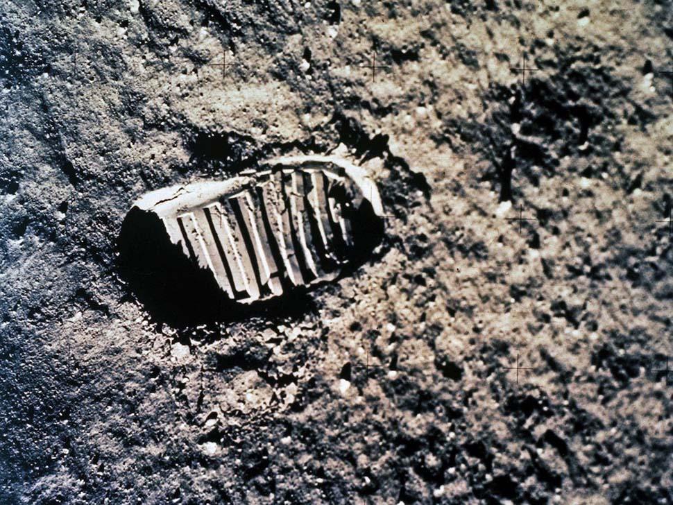 Жизнь на Луне, 1835 год По данным издания New York Sun, это была «новая теория кометарных феноменов»