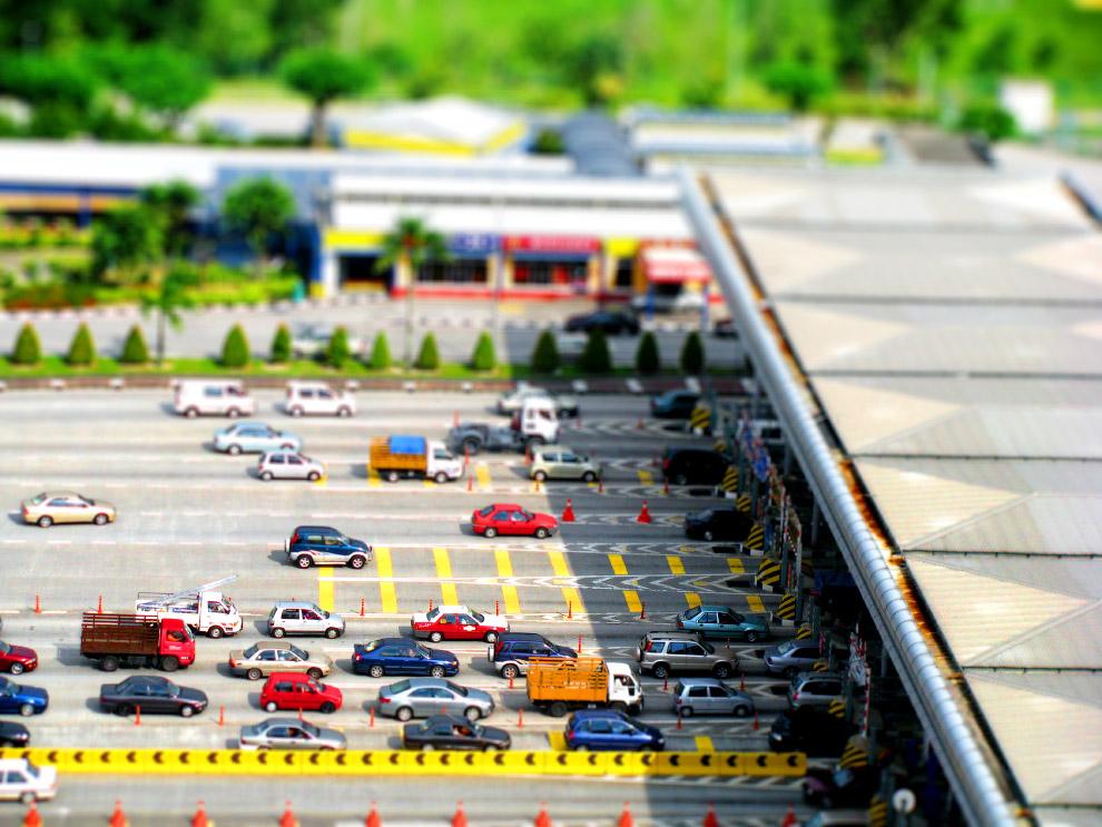 16. Tilt shift фотография: миниатюрный мир в Ванкувере. (Фото Evan Leeson):