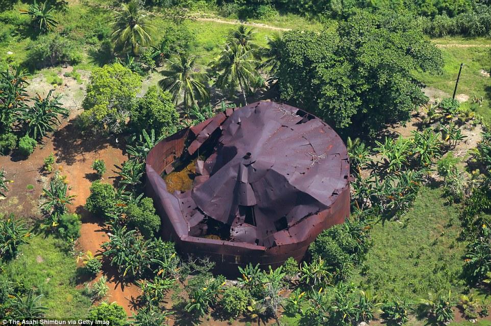 Следы Второй мировой в джунглях острова Гуадалканал.