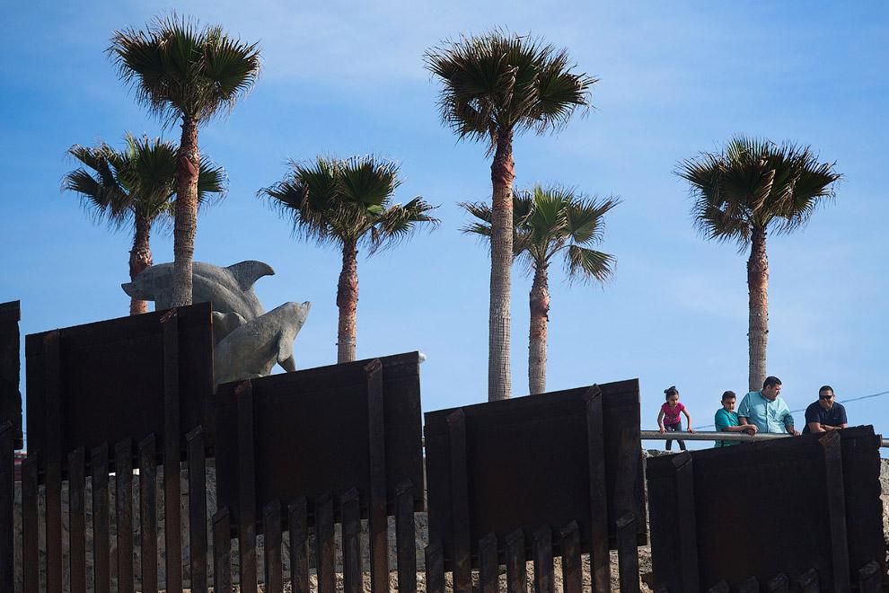 По данным на 2010 год, в охране границы с Мексикой были задействованы более 20 тыс. патрульных