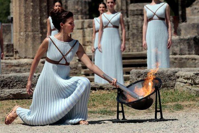 В Греции зажгли огонь Олимпиады-2016