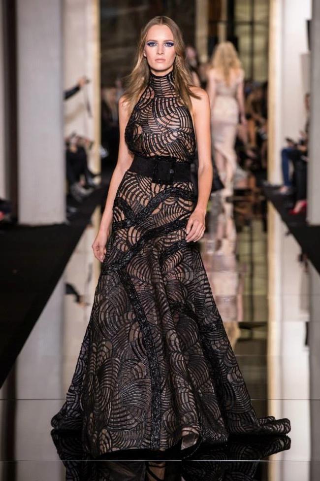 Неделя высокой моды в Париже: Atelier Versace весна-лето 2015
