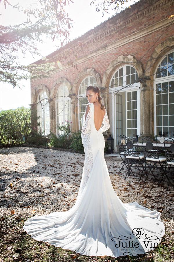Творческим натурам, находящимся в гармонии с собой стоит обратить внимание на свадебные наряды в сти