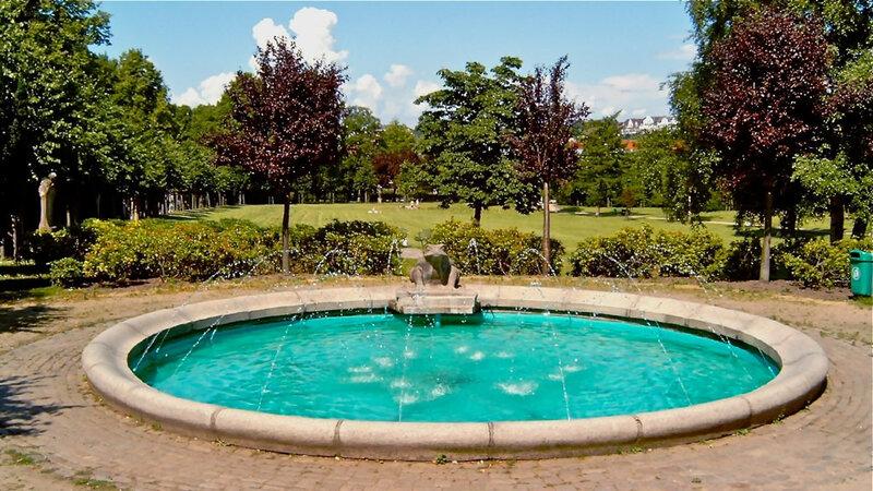 Der Froschbrunnen im Carlisle Park Flensburg
