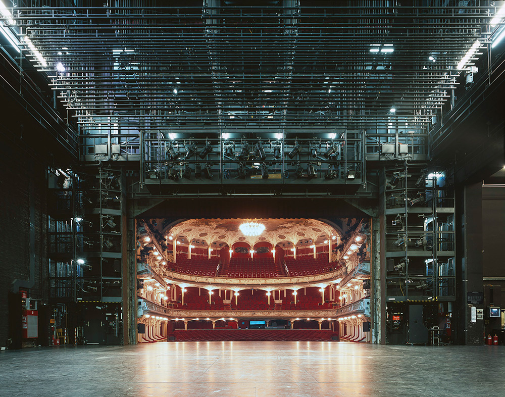 The Fourth Wall: A Rare View of Famous European Theater Auditoriums Photographed from the Stage (8 pics)
