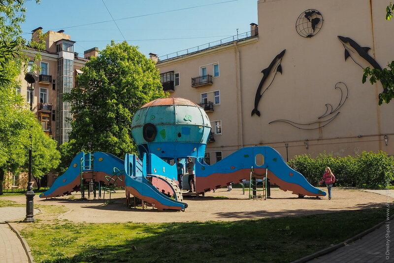 Петербургский дворик