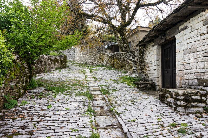 улочка в старинной деревне Врадето, Загория (Vradeto)