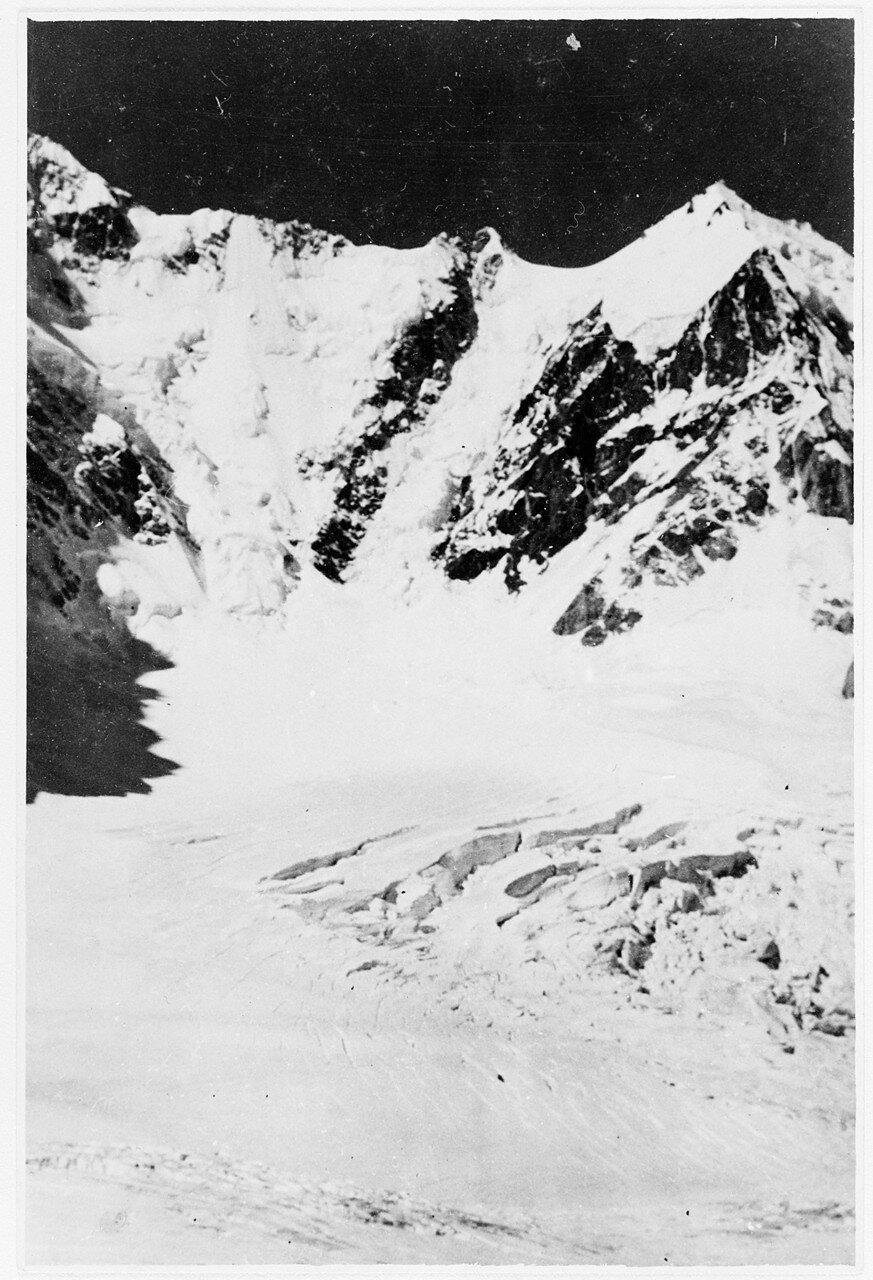 28 Августа. Группа II. Экспедиция на поиски пропавшего Эдди Тусила. На пути к перевалу Дыхни-ауш