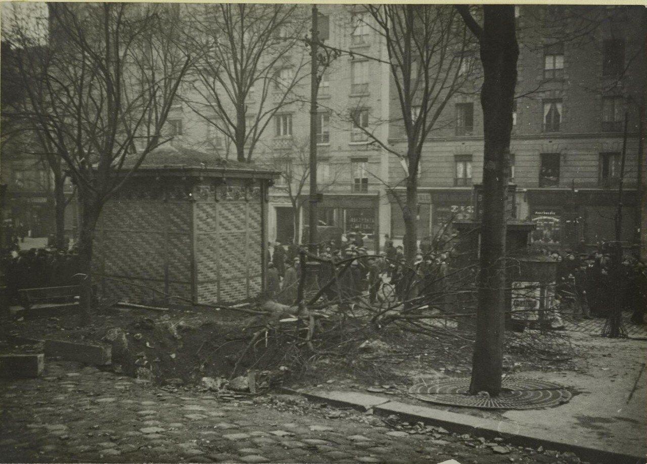 1916. 29 января. Урон, нанесенный атакой дирижабля. Угол улиц Менильмонтан и Сорбье