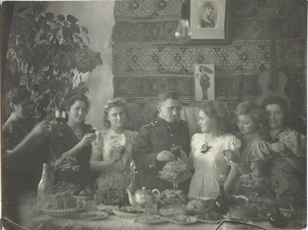 1944. Свадьба после возвращения с фронта