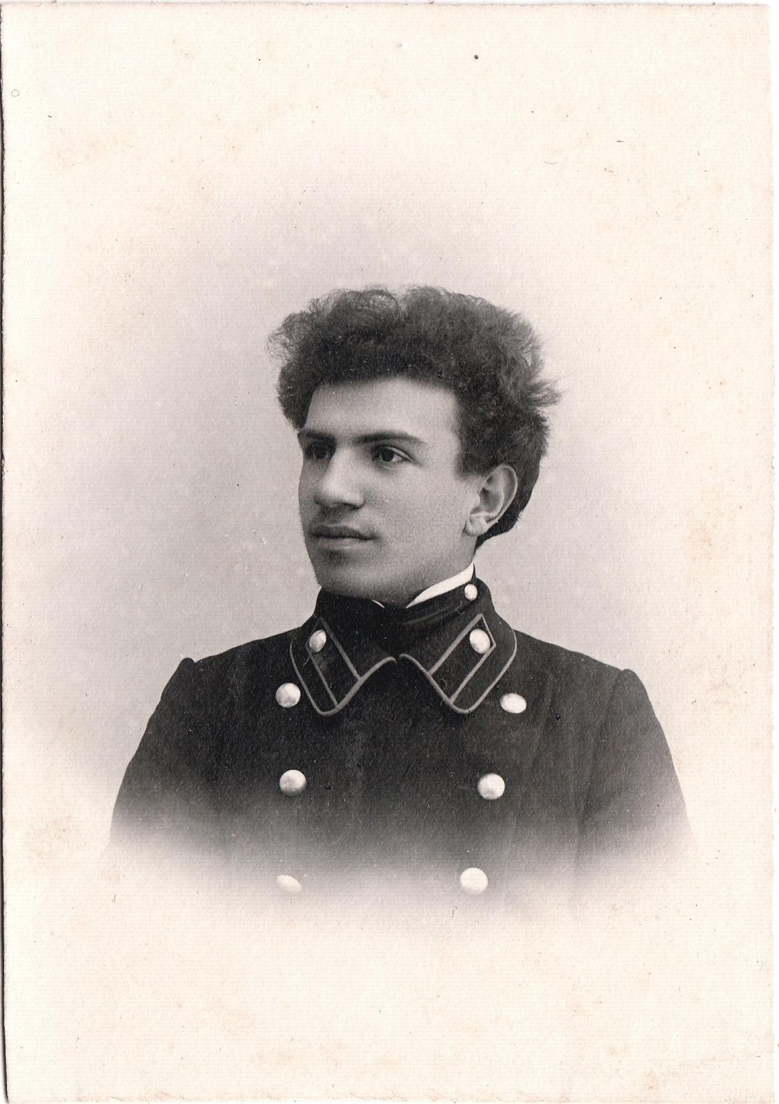 Студент Виноградов Леонид. I отделение разряд 2