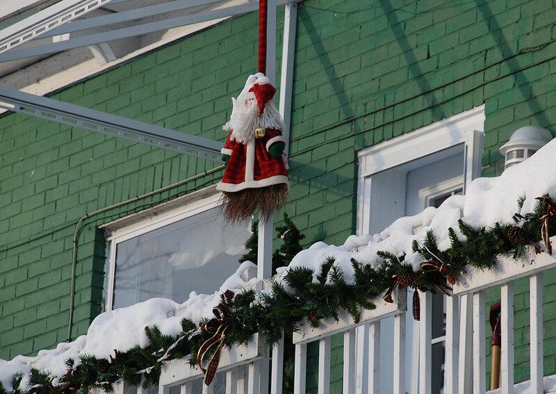22 Декабря 2009 года. Дед Мороз повесился.