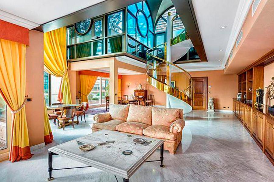 15. Можно найти в Монако и предложения о продаже коммерческой недвижимости. Например, на сайте prian