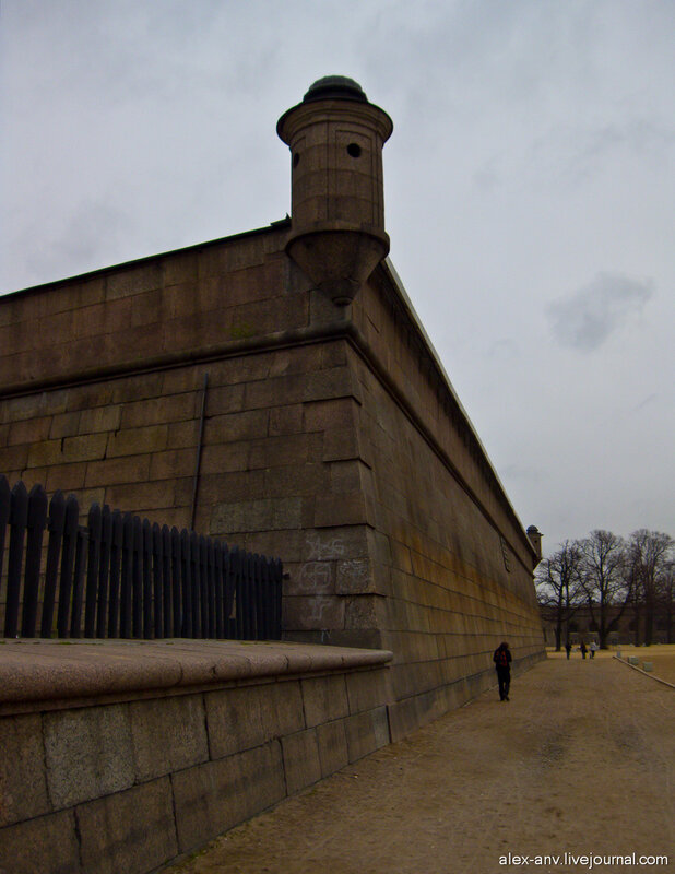 Петропавловская крепость. Стена крепости.