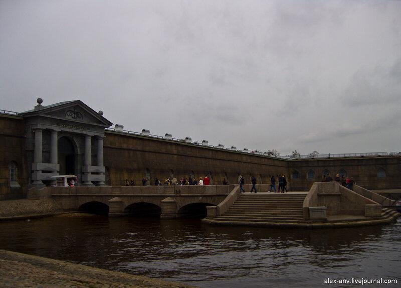 Петропавловская крепость. Невские ворота и Комендантская пристань.