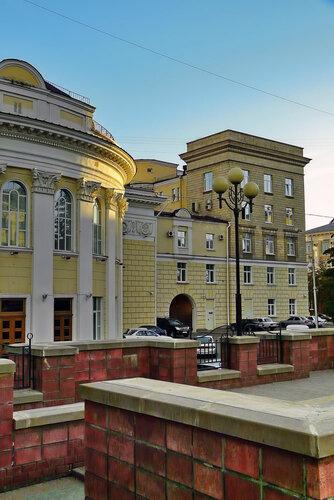 Северный фасад здания администрации области, 2010, фото Sanchess