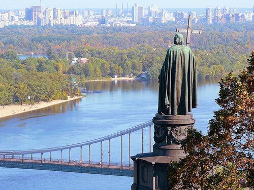 памятник святому Владимиру