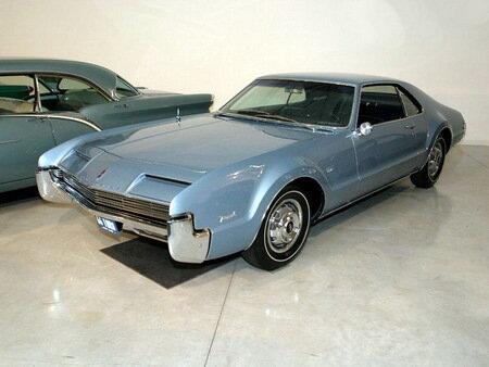 1966 Oldsmobile Toronado Sport Coupe