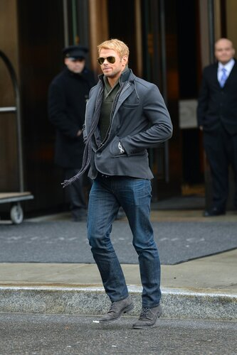 NEW YORK NY - JANUARY 06: Kellan Lutz sighting on January 06, 2014 in New York City.  (Photo by Josiah Kamau/BuzzFoto/FilmMagic)