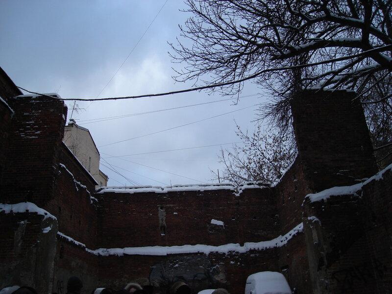 Стены бывшего завода П.А. Смирнова