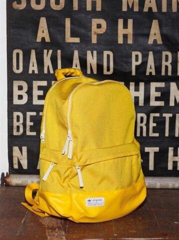 Новая коллекция adidas Originals и adidas Originals Blue сезона весна-лето 2012