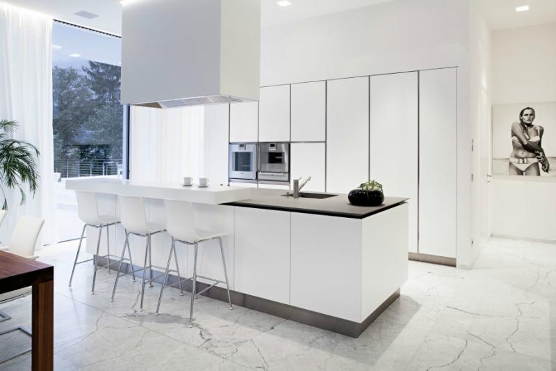 Белый цвет в интерьере кухни, фото 7