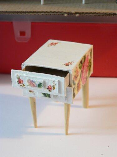 Как сделать тумбочку из спичечных коробков своими руками 62