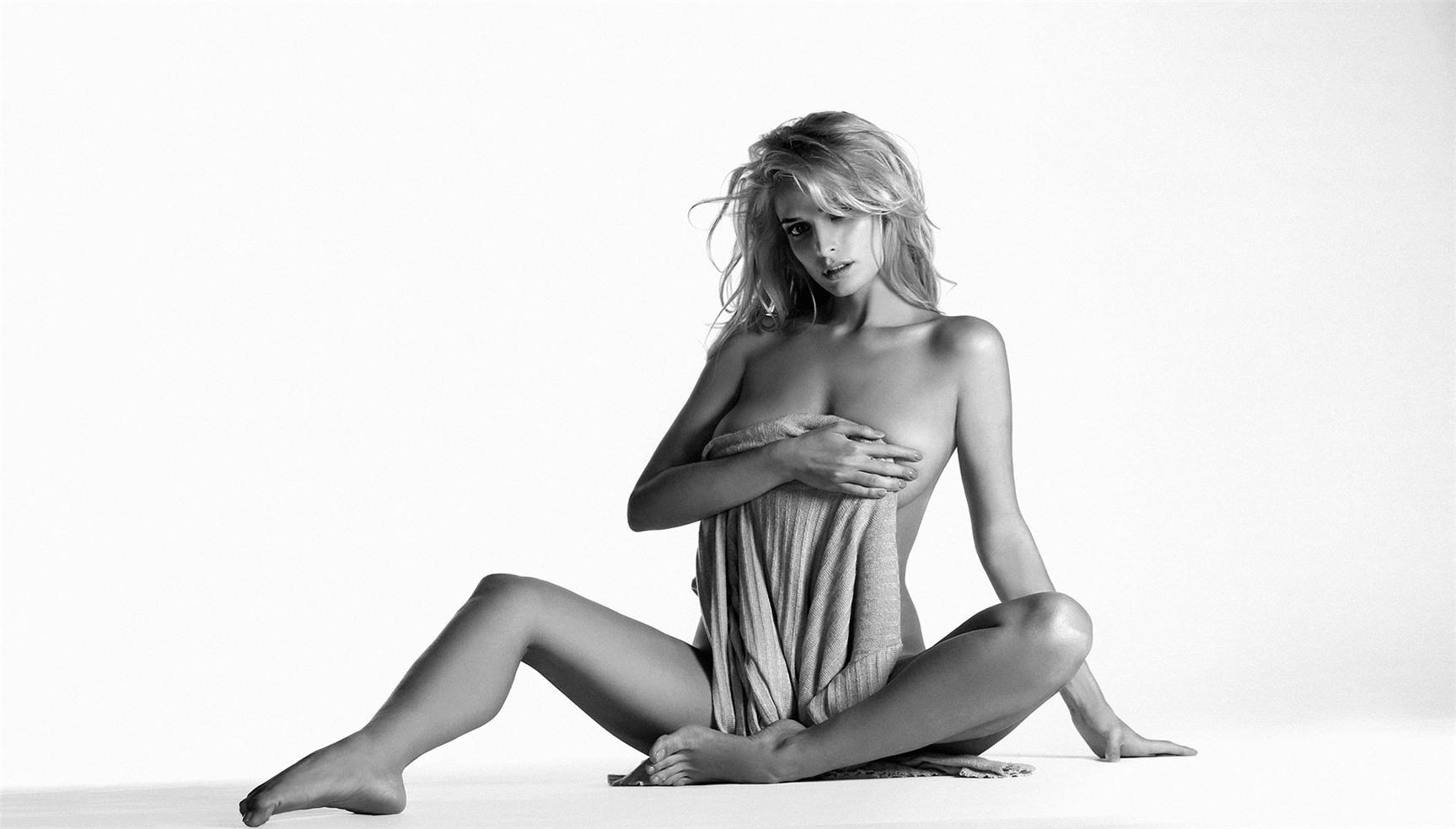 сексуальная Татьяна Котова в журнале Maxim октябрь 2013