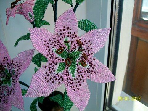 Схемы лилии двойная из бисера