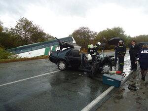 В Приморье легковушка столкнулась с пассажирским автобусом: два человека погибли