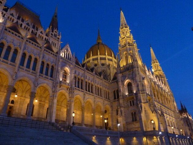 Здание парламента Венгрии