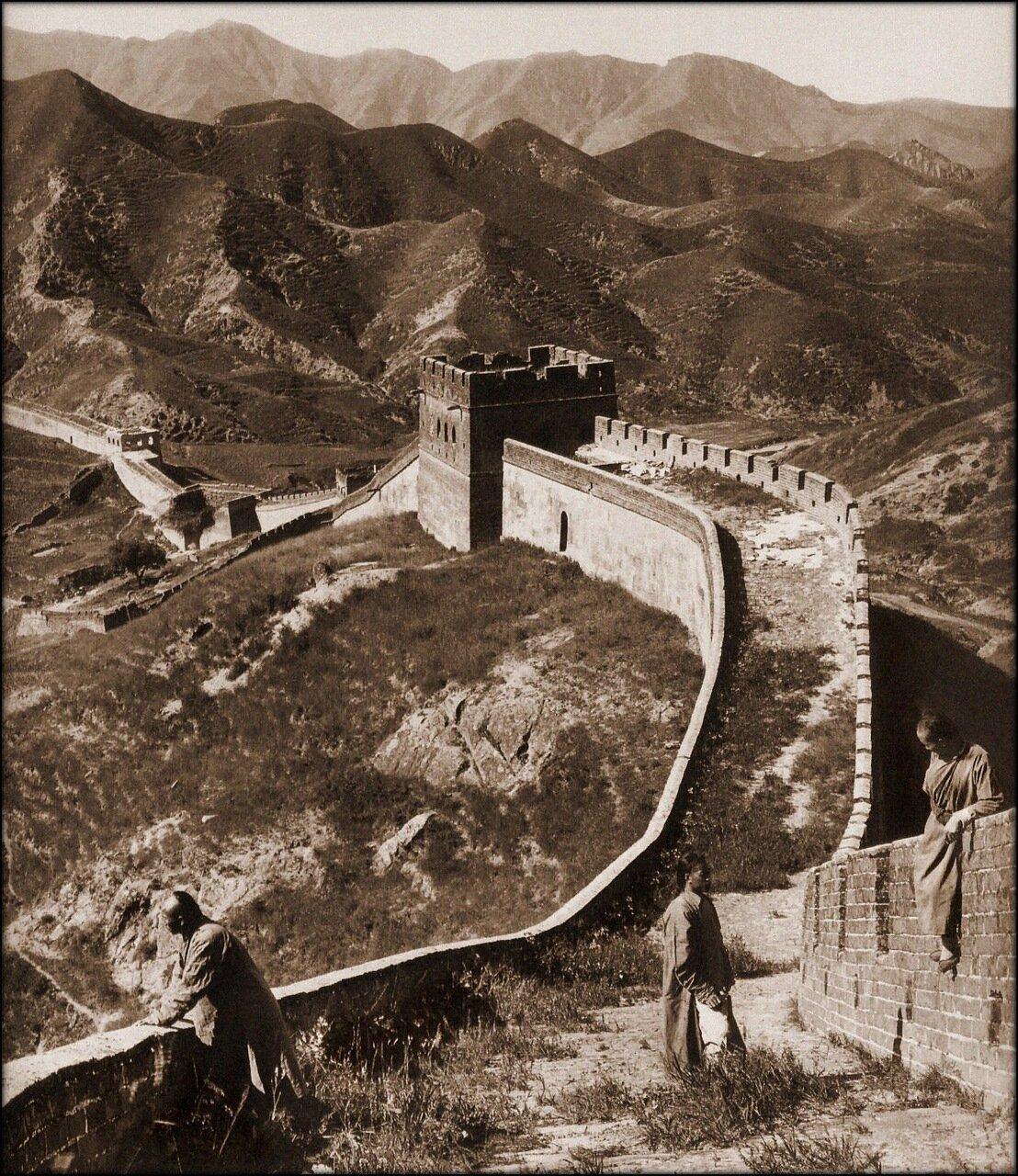 1907. Участок Китайской стены в 50 милях от Пекина.