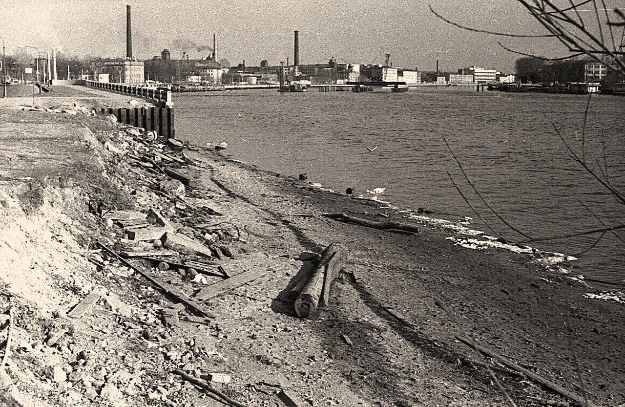 1979. Строится Кантемировский мост