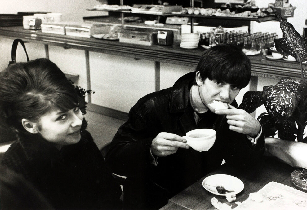 1963. Джордж Харрисон за завтраком. Аэропорт Стокгольма