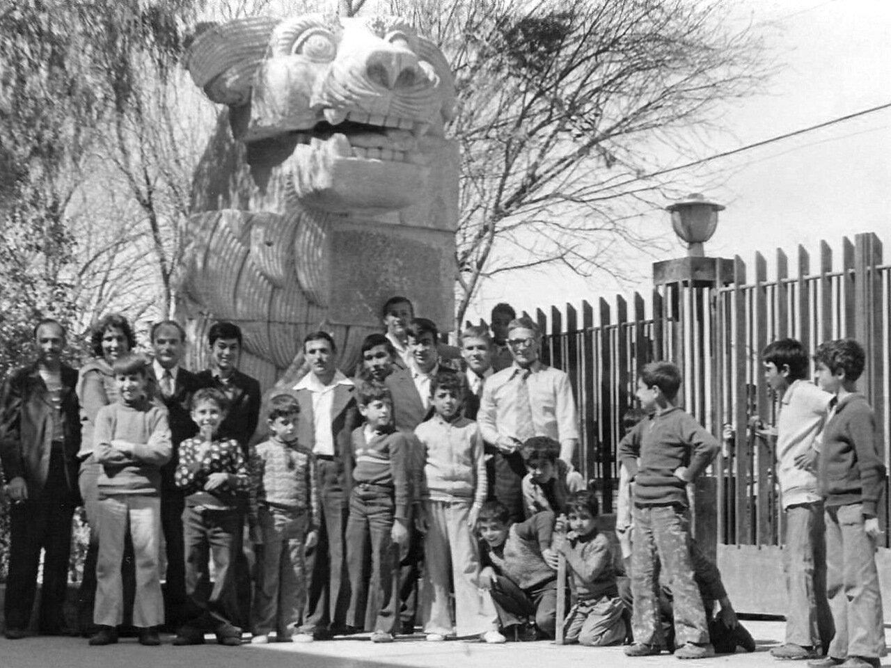 1978. Сирия, Тадмор. У музея древней истории