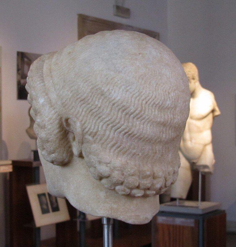 Голова куроса
