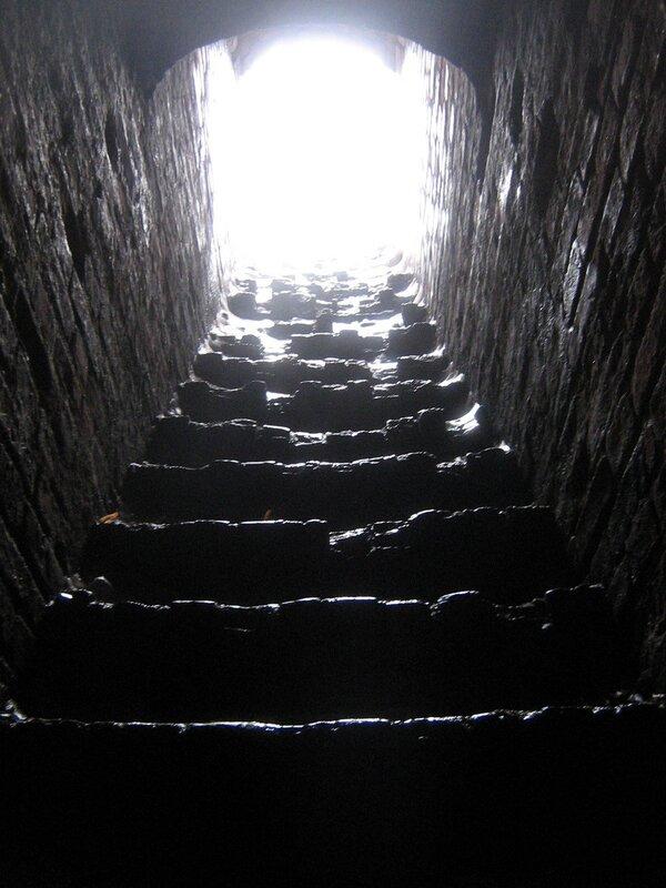 у Кремёвской стены - лестница на стену 1